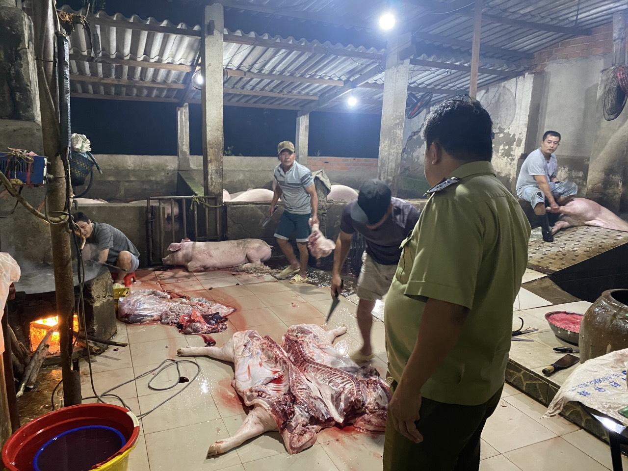 Đội Quản lý thị trường số 4 tăng cường kiểm tra xử phạt vi phạm hành chính cơ sở giết mổ động vật không phép